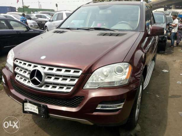 Foreign used 2010 Mercedes Ml350 4matic. Direct tokunbo Apapa - image 2