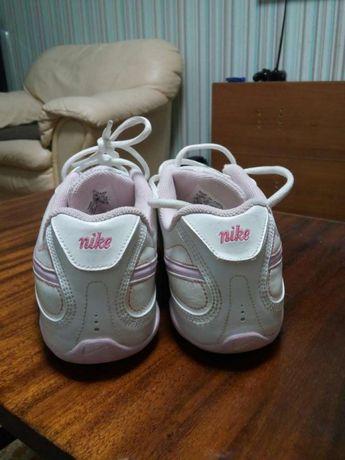 Жіночі кросівки NIKE  500 грн. - Жіноче взуття Рівне на Olx dfede0e9e4f2f