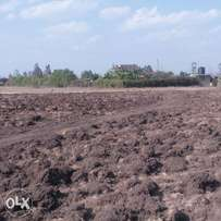 50 by 100 and 40 by 60 plots for sale in Ruai stage 26