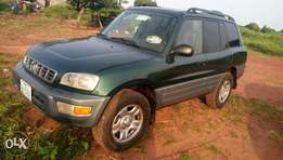 Rav4 very very good engine and good body and fuel economy clean interi