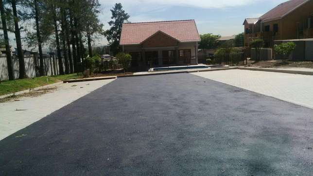 Taring and paving Bellevue - image 2