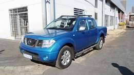 nissan navara 4.0 liter,blue,for sale in gauteng