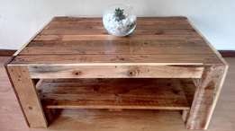 Farm-Style Pallet Coffee Table