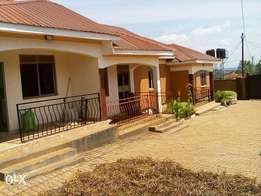 Executive two bedroom two bathroom self contained house for rent kiira
