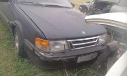 selling saab 1998 2.0 engine and gearbox body parts