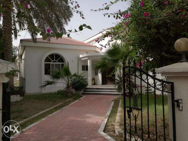 Beautiful 4 bedroom compound Villa for rent near Budaiya highway
