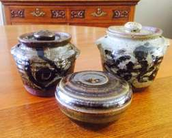 Pottery jars and bowl – R200