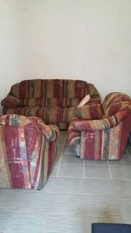 Couches for sale Rooihuiskraal - image 2