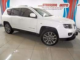 2014 jeep compass 2.0 ltd with leather seats, radio , reverse camera