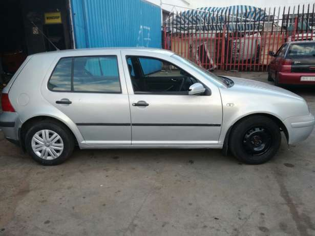 Very clean golf 4 for R36000 Germiston - image 3