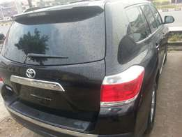 Tincan cleared tokunbo toyota highlander 2012