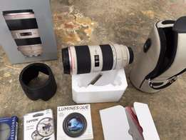 Canon EF 70-200mm f/2.8 II IS L USM Lens w Box & Filters Great Conditi