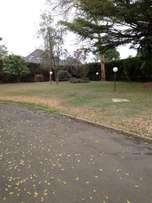 Executive 6 bedroom to let at Muthaiga North on 1/2 acre