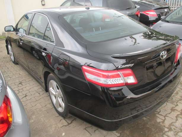Very Clean 010 Toyota Camry,Tokunbo Lagos Mainland - image 6