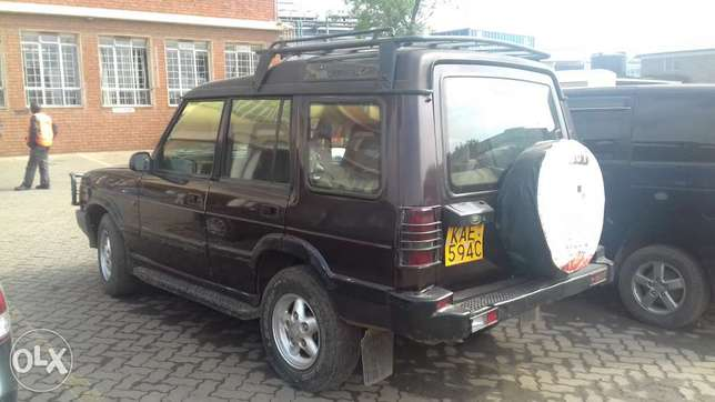 Landrover discovery Quick sale!!! 380K only Industrial Area - image 1