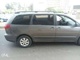 Clean 2003 Toyota Sienna for sale.