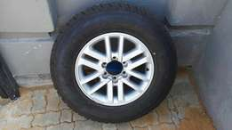 Toyota Fortuner rim and tyre
