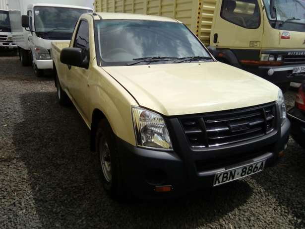 Isuzu d-max 2011 Model In Immaculate Condition Karen - image 1