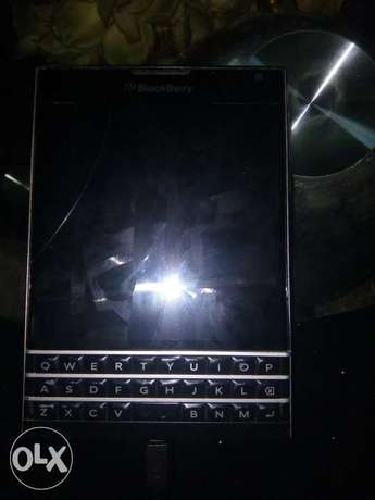 BlackBerry passport Warri - image 2