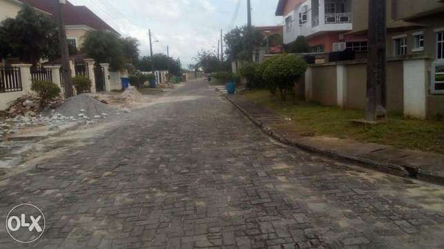 renovated and serviced 4bedroom fully detached duplex crown estate aja Ajah - image 4