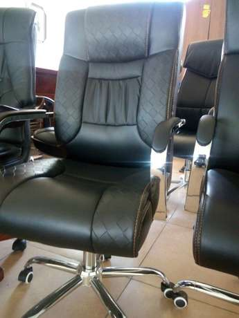 Office chair 001 Nairobi CBD - image 3