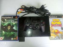Ps2 console with 1 pad,4 original CD, (another ps2 console for free)