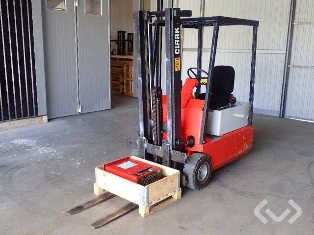 Clark TM15 counterbalance forklift (s)