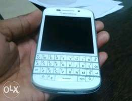 Neat BlackBerry Q10 For sale.