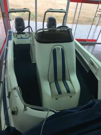 F16 Z-Craft with 2 x 40 hp Yamaha motors for sale Richards Bay - image 8
