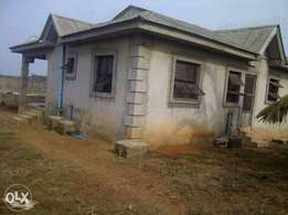 property for sale in ikorodu Lagos, 3bedroom flat and 4 fish ponds