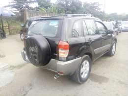 Toyota rav4 locally used 2002model for sale