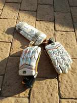 GM 909 Kids Used Cricket Gloves And Arm Guard For Sale Batting Gloves