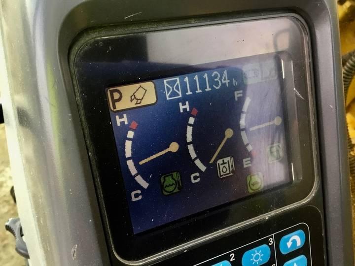 Komatsu PC228USLC-3E0 - 2008 - image 8