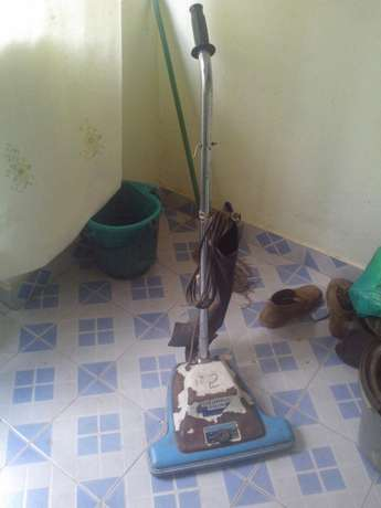 Vacuum cleaner with sweeper Afraha - image 2