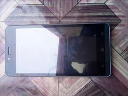 Am selling a phone Airtel LG type, brand new 1week used