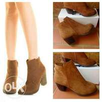 Cowboy ankle boots (NEW)