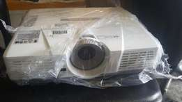 Fairly Used Mitsubishi Projector