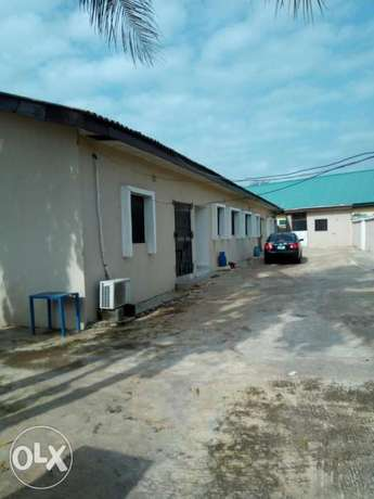 4unit of 1bed room with a self-contained flat and security house. Kubwa - image 5