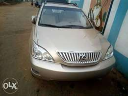 Direct tokunbo Lexus RX350 with full option for cheap sell
