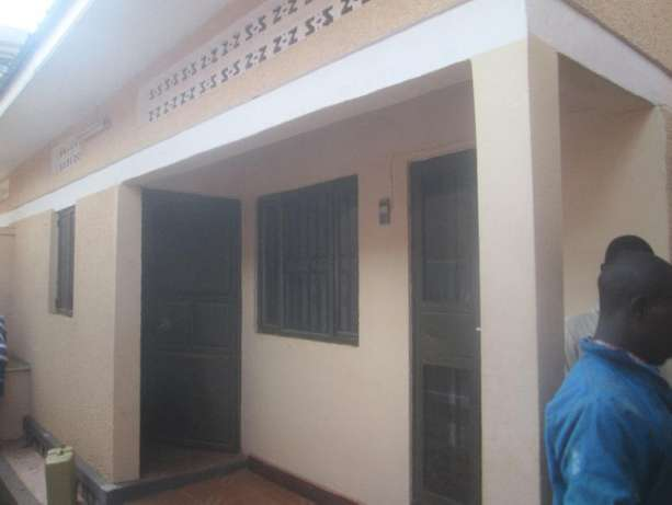 Come ready to enter double in Kisaasi at 350k Kampala - image 1