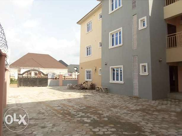 New 3bedroom block of flat to let at Kapowa behind Fmr IGP house Lugbe Lugbe - image 1