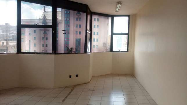 550 square feet of space to let in twiga towers Nairobi CBD - image 2