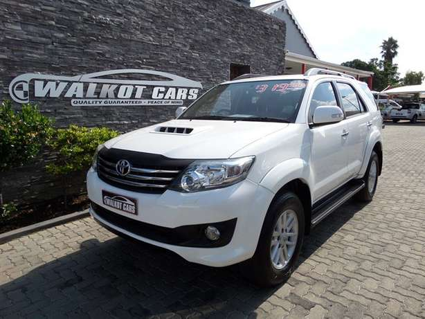 2011 Toyota Fortuner 3.0 D-4D A/T Newcastle - image 1