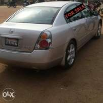 Clean 2003 tokunbo nissan Altima