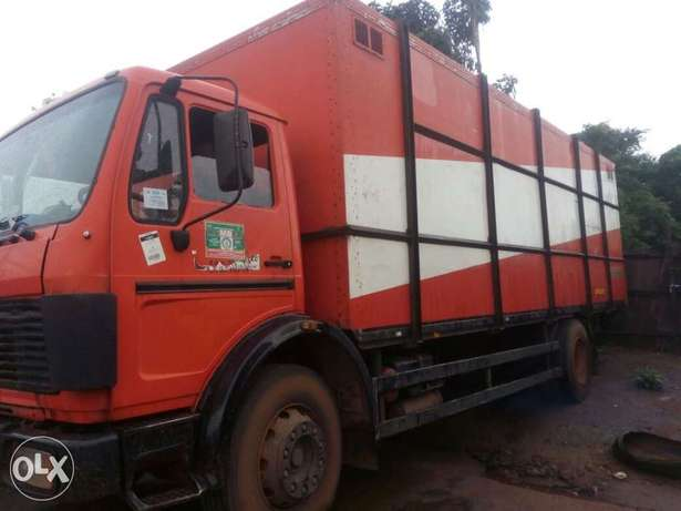 Mercedes truck 1617 model Onitsha North - image 1