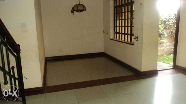 Four Bedroom Town House with a savant Quarters to let In Ngong Ngong Township - image 2