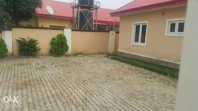 4 Bedroom Massive Bungalow in a lone Compound with BQ all RM Ensuite. Gudu - image 1