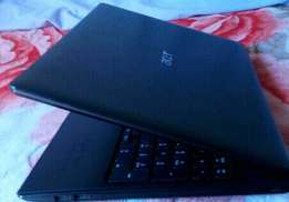 Core i3 Laptop.(500ggbytes harddrive)and (400 ggbytys Rom.