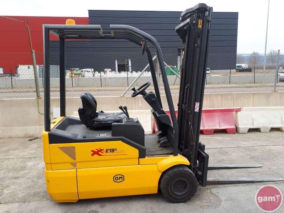 Pimespo Xe 18-3 Three-wheel Forklift - 2005