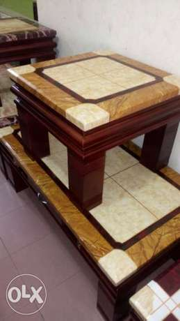 Quality marble centre table with stools Lekki Peninsula - image 1